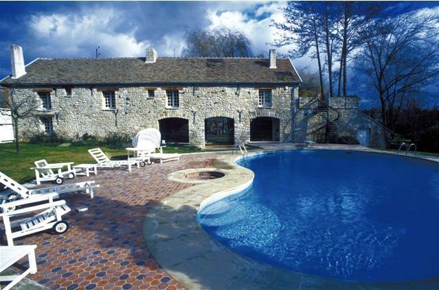 Claude francois danemois resto piscine for Piscine vitry le francois